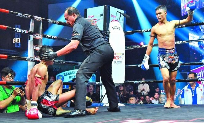 Sam-D nocauteia Satanmuanglek na final do torneio 8 Prakan