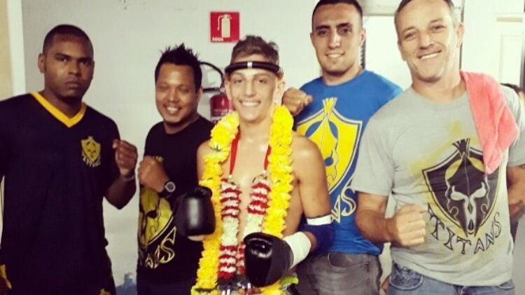 Fabricio Frango vence Coalinha na luta principal do Portuários