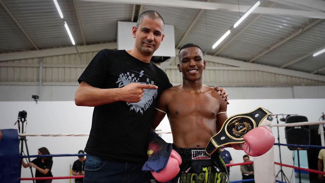 Luciano Boi e Rodrigo Negão fazem a melhor luta na inauguração do Hanuman Stadium