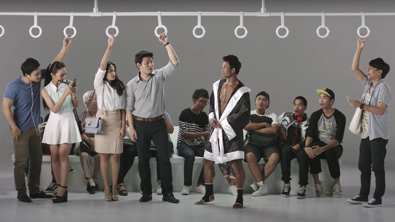 VIDEO | Buakaw em campanha contra abuso sexual